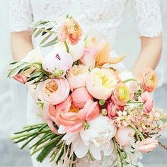 Such a beautiful  #bridalbouquet . Adore the soft pastel tones and the delicate textures. I want  to  touch... #wedstagram #Wedding #weddinginspo #weddingflorist #weddingflowers  #hunthatwedding #emmahuntlondon #bouquets #engaged #couple #bride2be  Wedding Inspiration from EmmaHuntLondon X