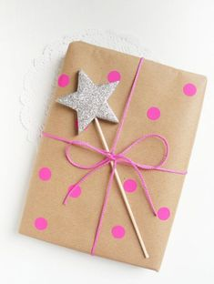 Gift wrapping ideas by Ghirlanda Di Popcorn #giftwrapping