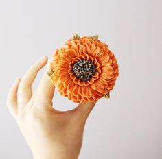 Buttercream Designs, Buttercream Cake Decorating, Cake Decorating Tips, Korean Buttercream Flower, Buttercream Flower Cake, Buttercream Frosting, Icing, Pretty Cupcakes, Flower Cupcakes