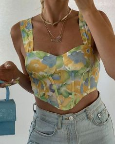 Ally (@allyjensennnn) • Instagram photos and videos Cute Casual Outfits, Summer Outfits, Floral Outfits, Teen Fashion, Fashion Outfits, Look Girl, Mein Style, Basic Shirts, Mode Chic