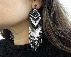 Beaded Earrings Patterns, Seed Bead Earrings, Feather Earrings, Diy Earrings, Tassel Earrings, Beaded Jewelry, Seed Beads, Native Beadwork, Native American Beadwork