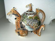 What a cool Giraffe Teapot!