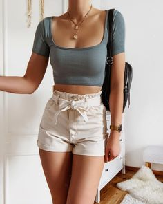 Teen Fashion Outfits, Girly Outfits, Mode Outfits, Cute Casual Outfits, Simple Outfits, Look Fashion, Pretty Outfits, Stylish Outfits, Fashion Fall