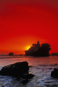 Tanah Lot - Floating Temple by the sea at sunset, Bali - Indonesia Denpasar, Beautiful World, Beautiful Places, Beautiful Sunset, Places To Travel, Places To See, Travel Around The World, Around The Worlds, Wanderlust