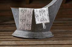 Aapiste - Design by Riikka Kaartilanmäki Forest Cat, Tea Towels, Traditional, Prints, Collection, Design, Dish Towels, Flour Sack Towels