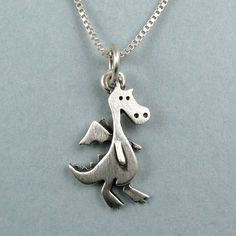 Tiny dragon necklace / pendant par StickManJewelry sur Etsy