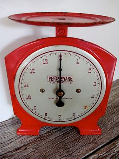 Vintage Kitchen Scales- LOOKING FOR ONE THIS WEEKEND :D ALONG W/ MY BUTTER CHURN