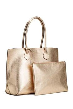 Shopper in grained faux leather with two handles and magnetic fastener. Matching, lined clutch with zip at top, attached with strap. Tote Handbags, Purses And Handbags, Leather Handbags, Leather Bag, Sac Week End, Pink Tote Bags, Shopper Bag, Womens Purses, Clutch