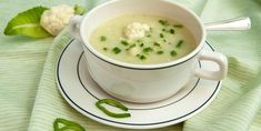 Soup is an easy way to increase your vegetable intake on Atkins. Try cooking this cream of cauliflower soup for a quick and warming lunchtime meal. Cream Of Cauliflower Soup Recipe, Polish Recipes, Polish Food, Cream Soup, Saveur, Low Carb Diet, Calories, Atkins, Cheeseburger Chowder