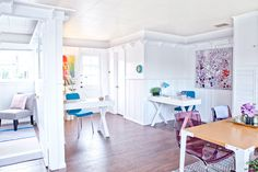 Lindsay Pennington Designs a Colorful Office for InternQueen.com | Rue