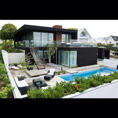 Home Design Ideas: Home Decorating Ideas Modern Home Decorating Ideas Modern World of Architecture: Modern Beach House With Minimalist Interior Design, Swede. Modern Exterior, Exterior Design, Exterior Homes, Ranch Exterior, Bungalow Exterior, Exterior Signage, Stucco Exterior, Craftsman Exterior, Modern Patio