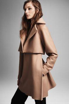 Derek Lam Pre-Fall 2015 Fashion Show - Josephine Le Tutour Mode Mantel, Estilo Fashion, Derek Lam, Fashion Show, Fashion Design, Uk Fashion, Fashion Trends, Mode Inspiration, High Fashion