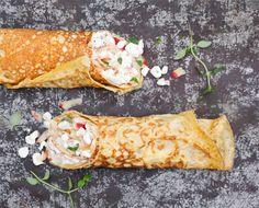 Geen sushi rolls, maar omelet rolls. Easy en healthy! Eieren geven een goed vol gevoel en zijn supergoed voor je spieren. In combinatie met appel en hüttenkäse worden de rolls heerlijk fris. Ideaal voor zowel ontbijt, lunch als diner. Ingrediënten voor 1 omelet: 1 groot ei 1 el amandelmelk of andere plantaardige melk een snufje...