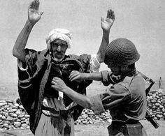 La Guerre d'Algérie, les chemins de la rébélion, la naissance du FLN - D...