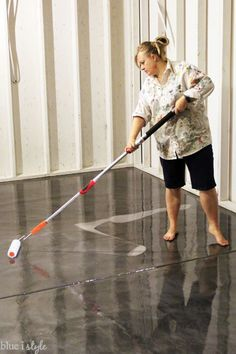 Diy with style how to apply rocksolid metallic garage floor diy with style how to apply rocksolid metallic garage floor finish solutioingenieria Gallery