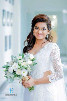 White Saree Wedding, Christian Wedding Sarees, Christian Bride, Hairdo Wedding, Wedding Bride, Wedding Dress, Srilankan Wedding, Bridle Dress, Flower Boquet