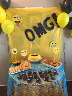Omg !!!! Emoji birthday party . Very simple . Yellow and black balloons . Emoji .