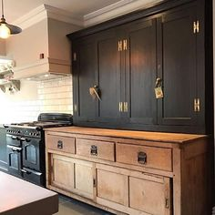 Modern Kitchen Interior black rustic kitchen natural wood and black cabinets - Classic Kitchen, Rustic Kitchen, New Kitchen, Kitchen Ideas, Kitchen Black, Kitchen Layout, Reclaimed Wood Kitchen, Kitchen Designs, Home Depot Kitchen