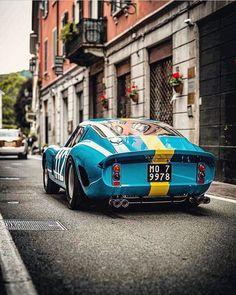 Ferrari 250 GTO in special blue and yellow livery – Luxury B… – Sport Cars Ferrari 250 Gto, Ferrari F50, Retro Cars, Vintage Cars, Classy Cars, Classic Sports Cars, Car In The World, Amazing Cars, Supercars