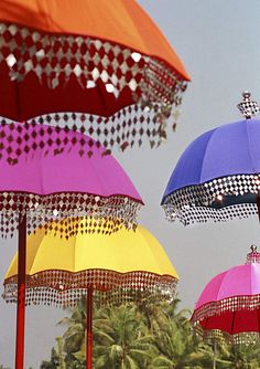 Embellished Parasols ... Beautiful Detail That Would Be Easy To Apply To Your Own Beach Parasol ! <3 Christie