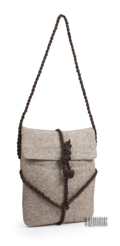 Bag. Composition: felt - 100% wool. Handmade. Technique - sollid-rolled.    Handles - rope. Catalogue 2017 Tumar Art Group