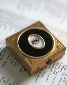 Lover's Eye - Victorian Mourning Snuff Box