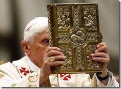 Evangeliário, ou Livro dos Evangelhos, é o livro litúrgico que reúne os evangelhos lidos na missa. É, dentro do rito romano, a representação física da palavra de Deus e, em particular, das sagradas escrituras.
