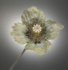 René Lalique (1860-1945) - Poppy ('Pavot'), 1897 - Gold, silver, diamonds, enamel - Paris, Grand Palais (Musée d'Orsay)