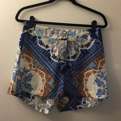 SALE BNWT Bar III printed short. Size Med BNWT printed short. Unfortunately no pockets but the amazing print makes up for what these shorts lack in pockets. Polyester material Bar III Shorts