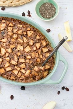 This baked steel cut oatmeal recipe is a lovely make-ahead breakfast option for busy mornings. Studded with sweet apple chunks, raisins and cinnamon.