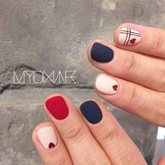 What Christmas manicure to choose for a festive mood - My Nails Gelish Nails, Nail Manicure, Nail Polish, Love Nails, Pretty Nails, My Nails, Matte Nail Art, Acrylic Nails, Nail Art Pictures