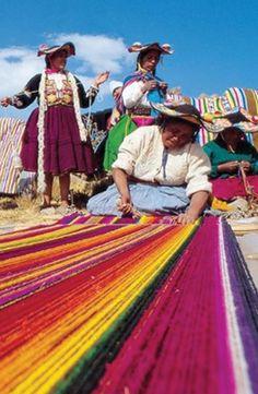 Women make traditional textiles in Chinchero, Peru #GrouponGetaways