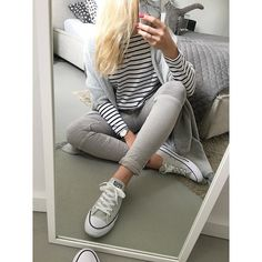 Ich knutsche euch ... Wie findet ihr den Katzenpopo im Hintergrund? #Daily #ootd #fromwhereisit #instadaily #outfit #blogger #cats #grey #gray #andsisters #newin #primark #hm #stripes #simplicity #simple #comfy #chucks #fashion by uniquejules Primark, Ootd, Stylish, Outfit, Instagram, Inspiration, Cats, Outfits, Biblical Inspiration