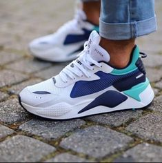 F3585248-7FB9-4A09-837F-89131930C14E Air Max Sneakers, Sneakers Nike, Comfy Shoes, Pumas Shoes, Walk On, Me Too Shoes, Nike Air Max, Blue And White, Running
