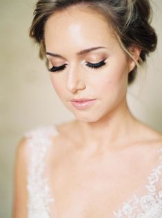 Take a look at the best soft wedding makeup in the photos below and get ideas for your wedding! Witney Carson Wedding Makeup Image source Naturally Beautiful Image source natural wedding makeup & soft updo ~ we… Continue Reading → Romantic Wedding Makeup, Wedding Makeup Tips, Natural Wedding Makeup, Bridal Hair And Makeup, Wedding Hair And Makeup, Bridal Beauty, Wedding Beauty, Hair Makeup, Natural Makeup