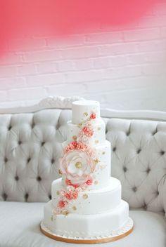 Fabulous cake flower that looks like a felt or fabric bloom.