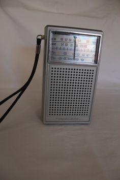 Vintage Realistic Portable Radio..these were all the rage,,transister radio's