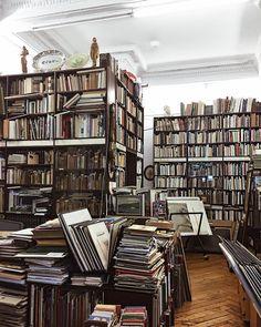 Books, Bookstore, Bookshelves in Hamburg ANOUSH.DIGITAL (@annaanoushka)