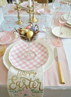 easter decorations 485966616041227528 - 12 Beautiful and Easy Easter Tablescape Ideas to Make Source by Easter Dinner, Easter Brunch, Easter Party, Easter Gift, Easter Table Settings, Easter Table Decorations, Easter Decor, Easter Ideas, Easter Centerpiece