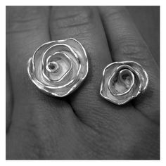 Rose Open Ring by RaqueLPoubeL on Etsy, $240.00