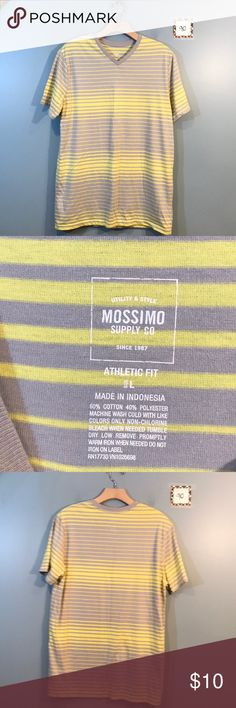 56caf46ee8764 Mens top Gently worn bg 90 Mossimo Supply Co. Shirts Mossimo Supply Co, Man