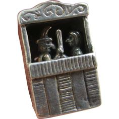 Sterling silver moving seaside show Mr Punch pendant charm vintage c1960...