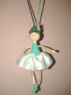 Muñeca realizada con tela y goma eva