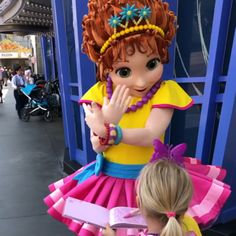 She made her debut today and can now sign autographs at Disney California Adventure Park! Fancy Nancy Costume, Character Dress Up, Disney California Adventure Park, Cartoon Outfits, Creative Costumes, Disneyland Trip, Disney Junior, Kite, Activities For Kids