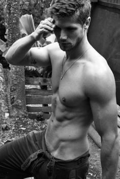 Instagram: http://instagram.com/man.zineFacebook: https://www.facebook.com/Desirable.MenTumblr: http://desirable-men.tumblr.com/