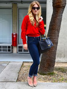 Sometimes it's just this easy: Pair a simple pair of jeans, a perfectly fitted sweater in a bright color, and your favorite pumps.