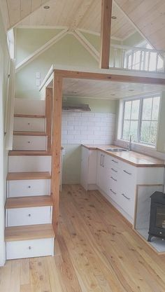 Tiny House Loft, Tiny Houses Plans With Loft, House Plan With Loft, Tiny Houses For Rent, Tiny House Design, Small Houses, Loft Stairs, House Stairs, Tiny Bathrooms