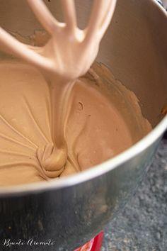 Înghețată de ciocolată cu lapte condensat