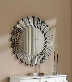 #Espejos de forma circular con marco también de espejo en forma de mosaico. Ideal para dar sensación de amplitud en estancias pequeñas. http://www.aristamobiliario.es/44-espejos-decorativos