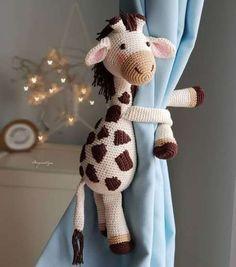 Crochet Cow, Baby Girl Crochet, Crochet Patterns Amigurumi, Crochet Animals, Crochet Dolls, Crochet Curtains, Stuffed Animal Patterns, Crochet Accessories, Baby Decor